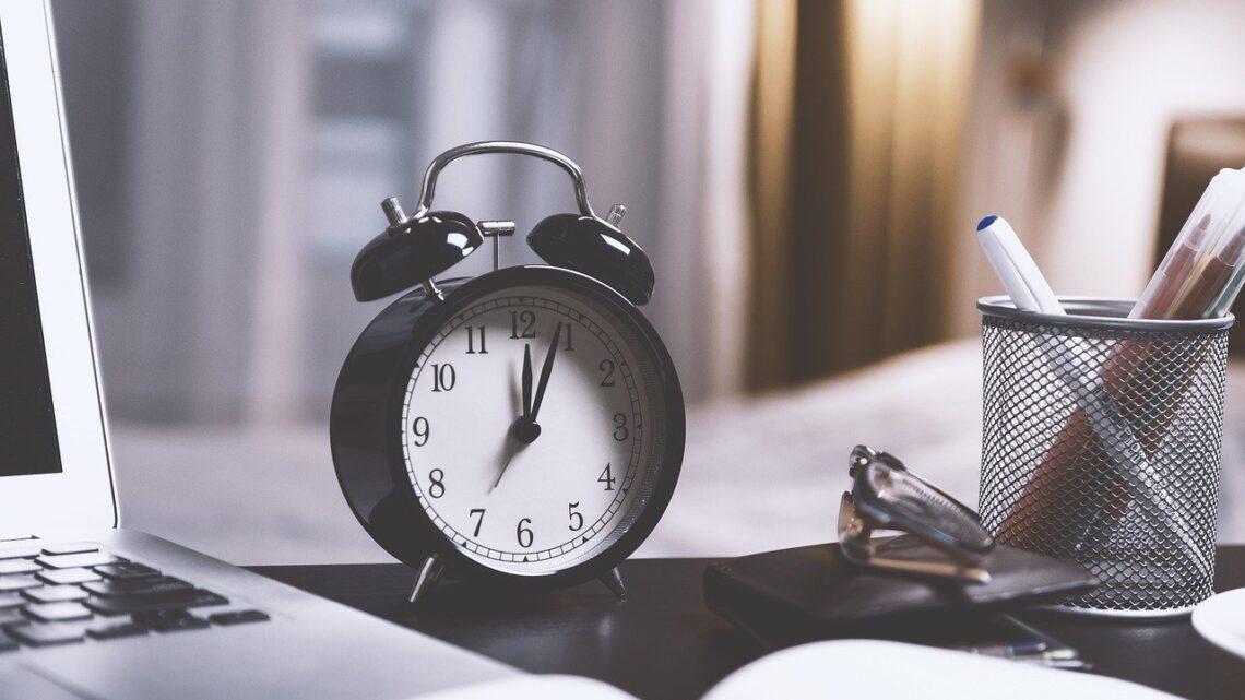 Como fazer a gestão da jornada de trabalho?